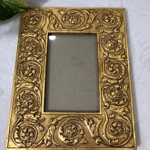 """Other - Gold-painted ornate picture frame 3x5"""""""
